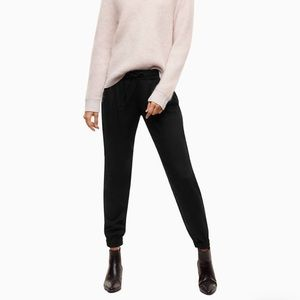 Aritizia Talula size large black sweat pants.